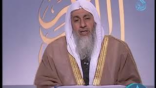 ما حكم رجل لا يصلي ويسب الدين ؟ | الشيخ مصطفى العدوي